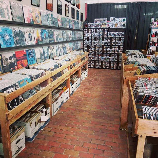 Lots of room for more vinyl! #blackduckentertainment #BurlON #HamOnt #recordstore